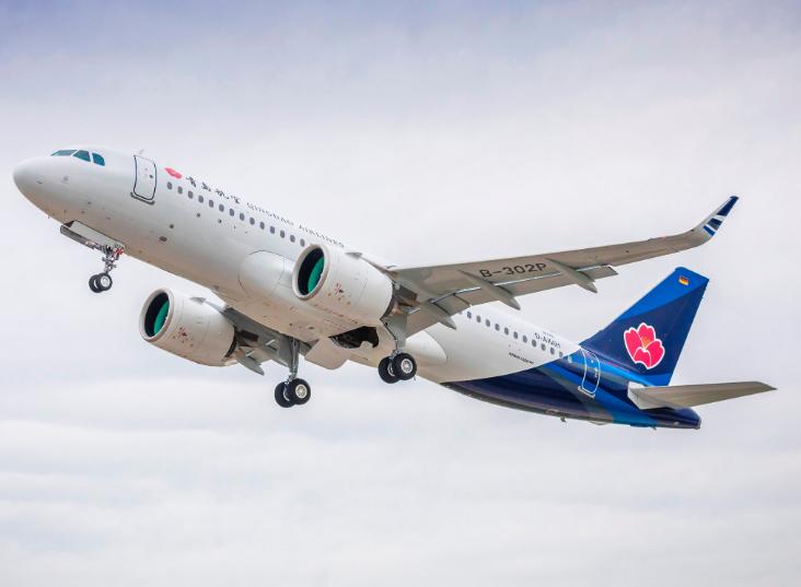 坐飞机也能刷剧玩游戏了!我国首架高速互联网飞机成功首航