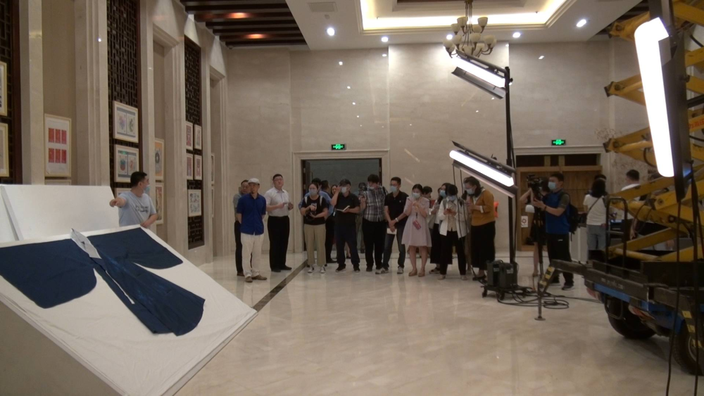71秒   啥操作?为了采集文物表层纹理 山东博物馆用上了升降机