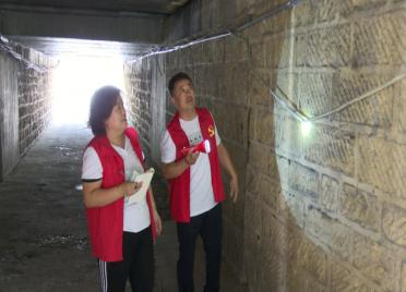 """41秒丨50多人定时维护排水管道!潍坊潍州路铁路桥涵洞有了""""防汛巡查小队"""""""