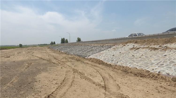 寿光弥河防洪治理提升工程四标段:156天,在弥河决口处筑起一座新堤坝
