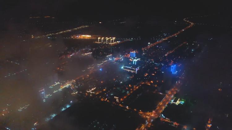 51秒丨云霧籠罩下的榮成萬家燈火,神秘又溫馨