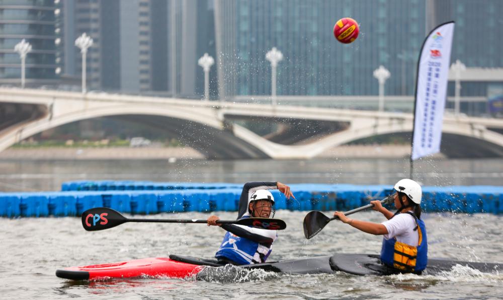 中国皮艇球联赛日照站开赛 揭幕战山东队赢得开门红