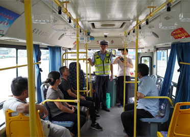 潍坊昌邑交警开展公交车应急演练 筑牢安全防线