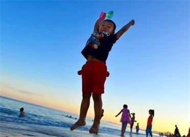 组图|炎炎夏日 跟着镜头畅游威海南海新区万米金滩