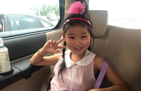 泰安7岁女孩左脚变形仍坚持跳舞 奶奶:她把快乐的一面带给粉丝自己却哭过很多次