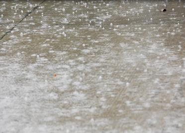海丽气象吧|聊城局地降下大雨 半岛、鲁西北、鲁中有中到大雨局部暴雨+雷电