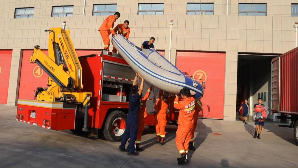 36秒丨370名指战员、43辆消防车,山东消防驰援临沂抗洪抢险