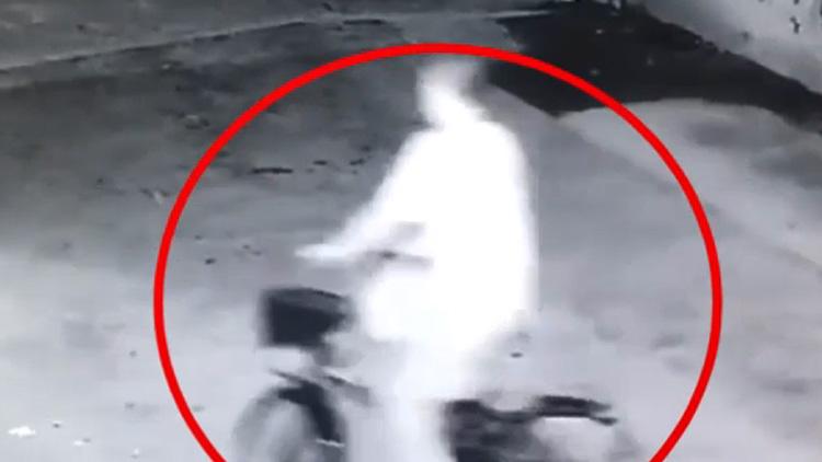 """25秒丨不把自己当外人!滨州无棣一男子""""骑走""""了别人的自行车"""
