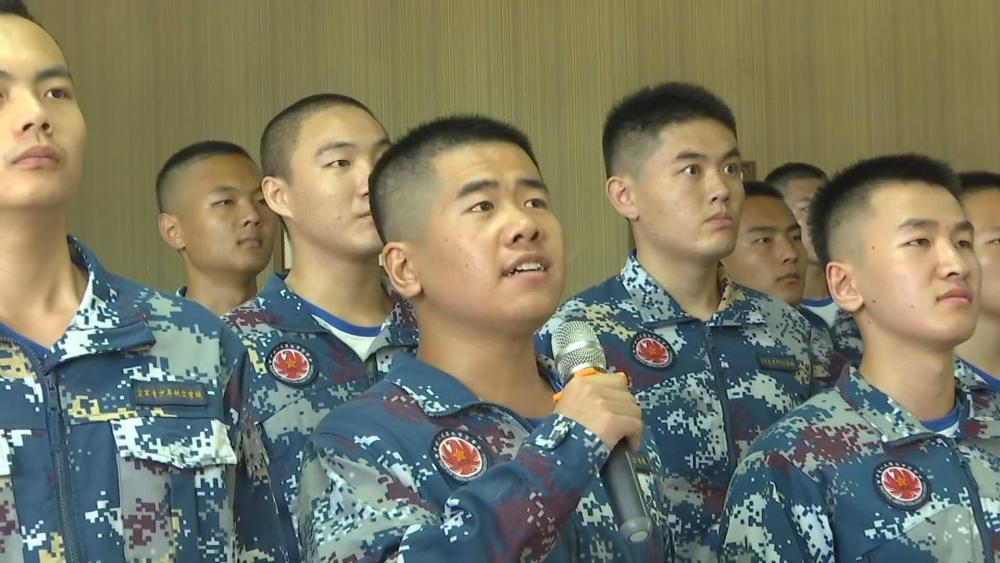 54秒丨逐梦蓝天!济南一中学53人升入空军航空大学 录取人数全国第一