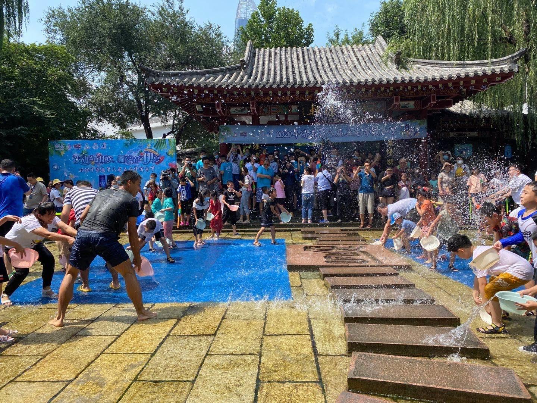 泼动盛日狂欢,畅享清凉一夏 来济南五龙潭泼水吧