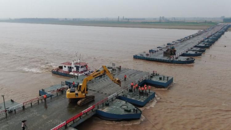47秒丨迎接黄河大流量 黄河滨州惠民段四座浮桥陆续拆除