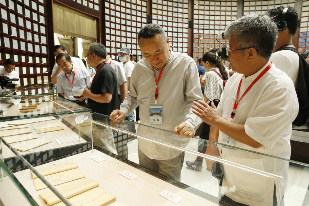 2020中华传统晒书活动曲阜启幕 全国多地陆续举行丰富多彩的特色活动