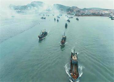 33秒丨今日开海,威海荣成2100余艘渔船扬帆出海忙秋捕
