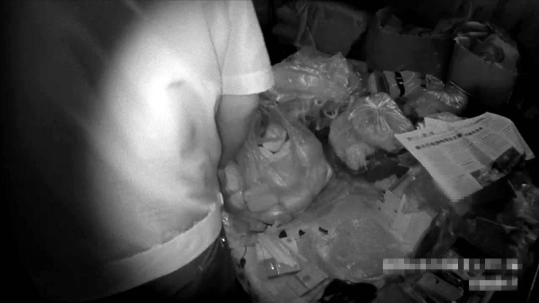 """男子酒后为""""寻刺激"""",偷走馒头房150多个馒头,已被依法行政拘留!"""