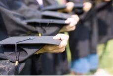 山东明确残疾人大学生励志助学标准:最高一次性补助10000元