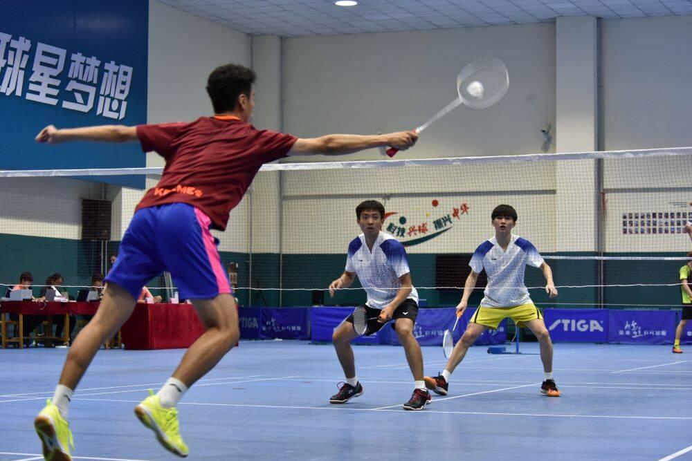 组图:山东省第十届全民健身运动会羽毛球比赛在潍坊开赛
