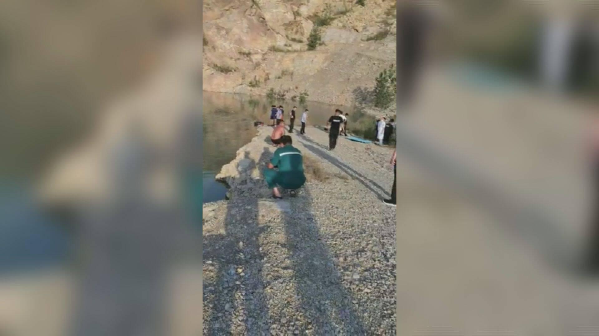 62秒|临沂罗庄两女孩不幸溺水身亡 事发地为废弃采石场