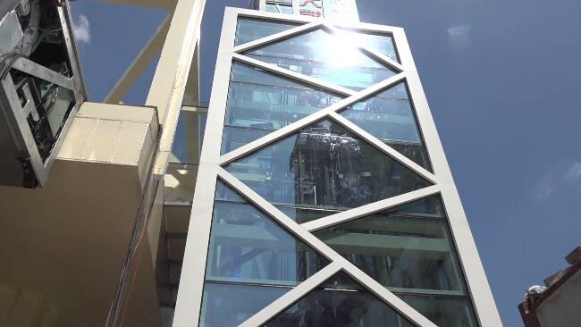 52秒丨投资800多万元、配备6部电梯!潍坊新华路佳乐家过街天桥国庆节前投入使用