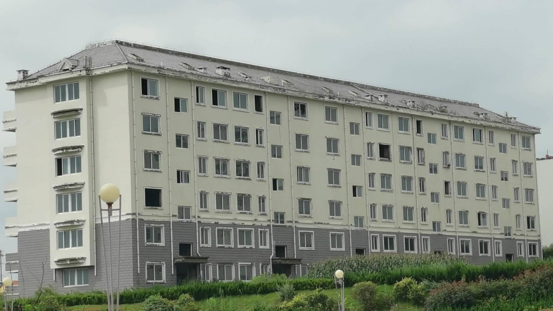 问政山东|科教用地还是商住用地?威海经开区占地超10亩的烂尾楼10年无人管 购房者钱房两空