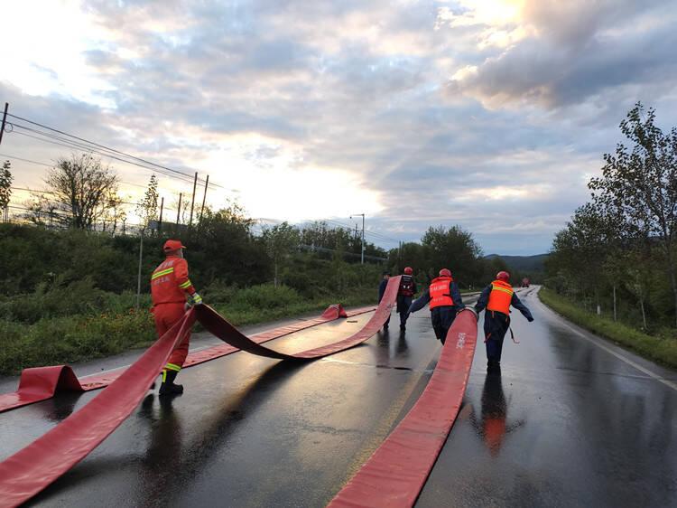 山东消防5支抗洪抢险排涝分队驰援吉林