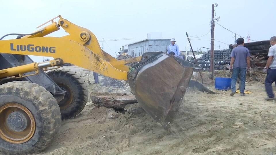 問政追蹤丨威海乳山銀灘垃圾已清理 市長閆劍波:兩月內建成新養殖作業區