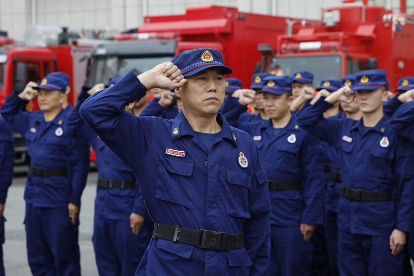 跨区域增援安徽后马不停蹄驰援吉林 济宁这位入伍26年消防老兵帅呆了!