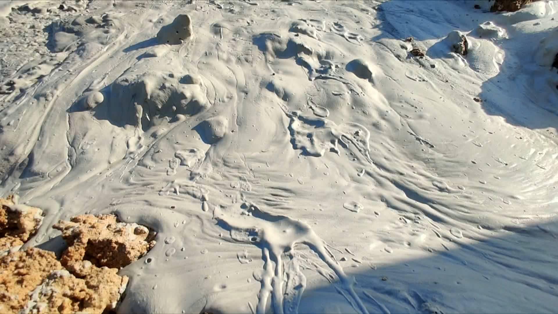 问政山东丨河道上倒满了白色锯泥 汶上、宁阳两县交界处到底归谁管?