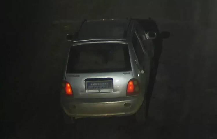 这辆银灰色电动轿车肇事逃逸,聊城高唐警方正征集线索