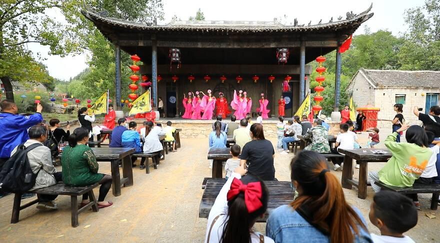 62秒丨国庆假期游千年古村落邹城上九山 体验传统民俗文化