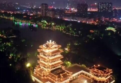 山东璀璨灯光秀 祝福新中国