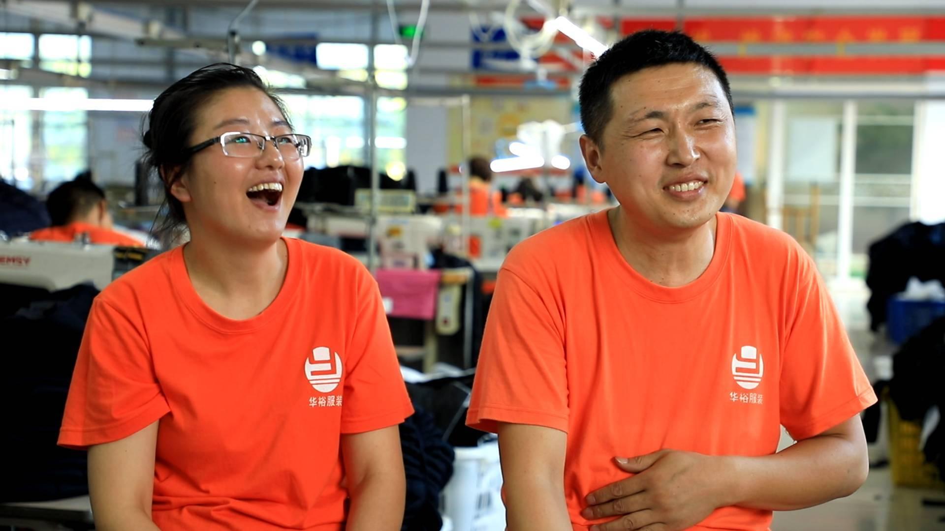 幸福的起点|从门外汉到服装设计师 聋哑人王琪在无障碍工厂里爱情事业双丰收