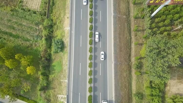 注意!14时至16时山东高速将出现返程小高峰 高速路免费通行截至今晚24时