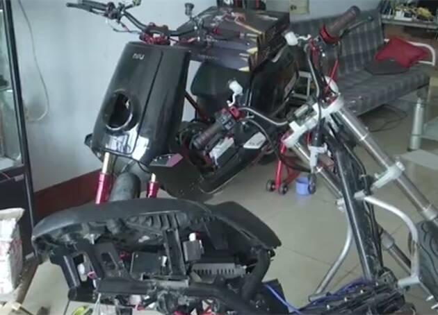 时速180!潍坊青州非法电摩改装很疯狂,却让家长很受伤