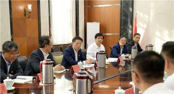 淄博市委书记江敦涛到所在党支部讲党课