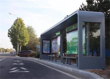 预计10月底 威海文登区214座公交站亭安装完成