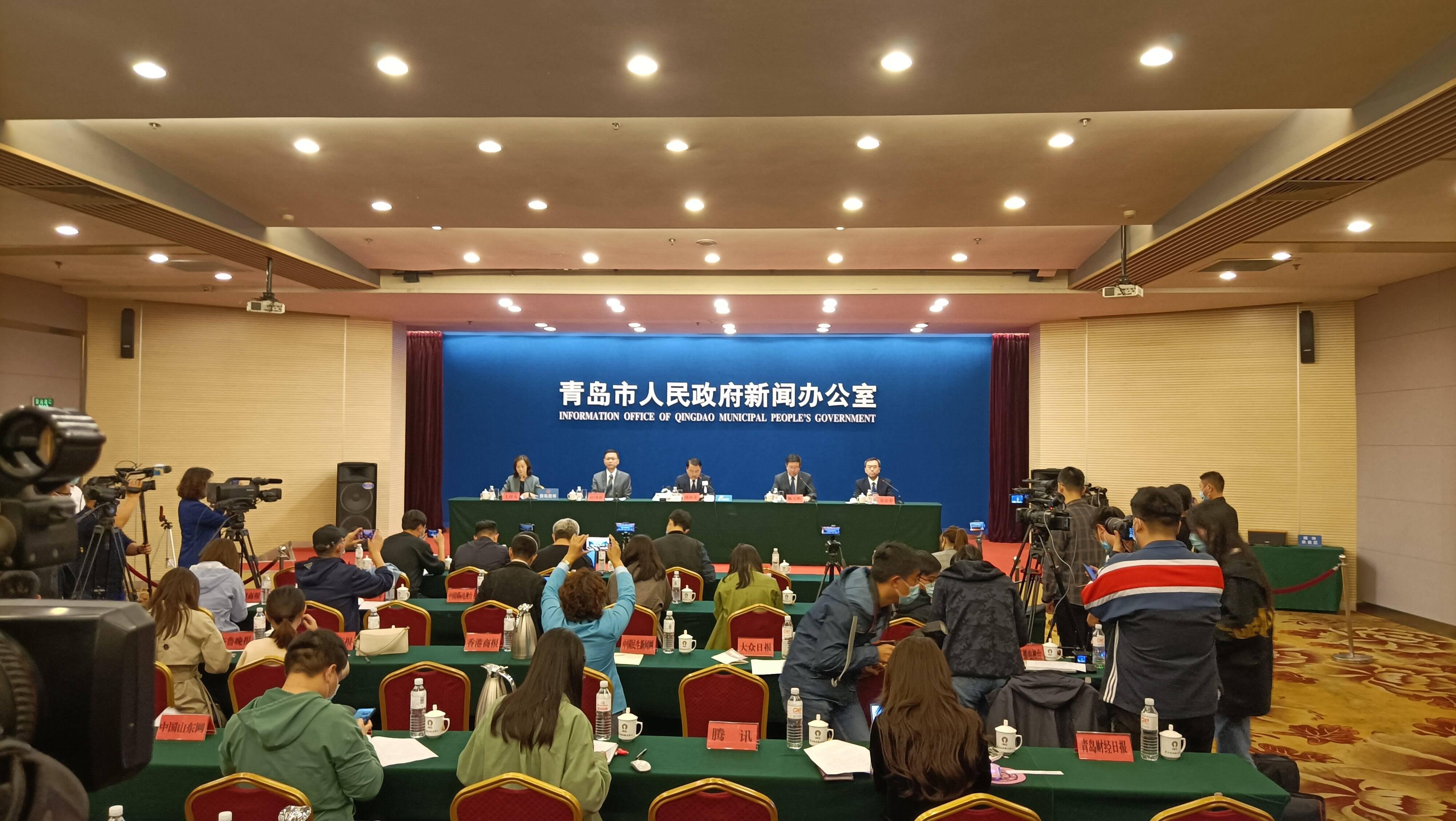 国家、省选派8人医疗救治专家组在青岛开展医疗救治工作