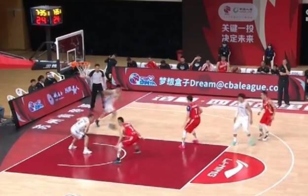 张骋宇28+8吴冠希伤退 青岛击败江苏取新赛季开门红