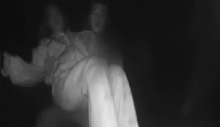66秒 | 惊险!烟台孕妇深夜轻生欲跳海 被民警一把拽回