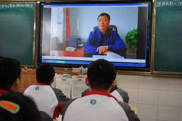 聊城莘县发起向牛忠楠学习活动,鼓励学生顽强拼搏、无私奉献