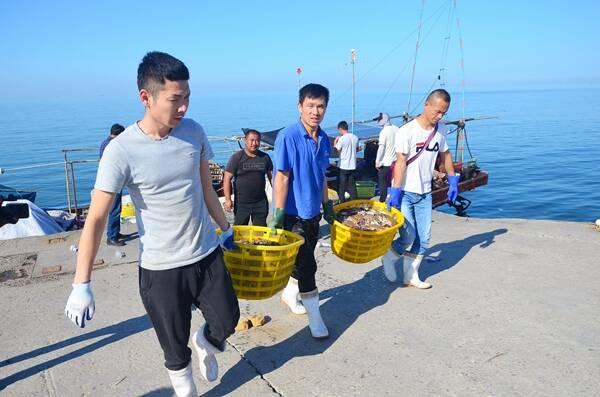 """潍坊""""海霸王雷""""受审记:曾叫嚣""""如果我不高兴 全山东别想吃一个好海肠"""""""