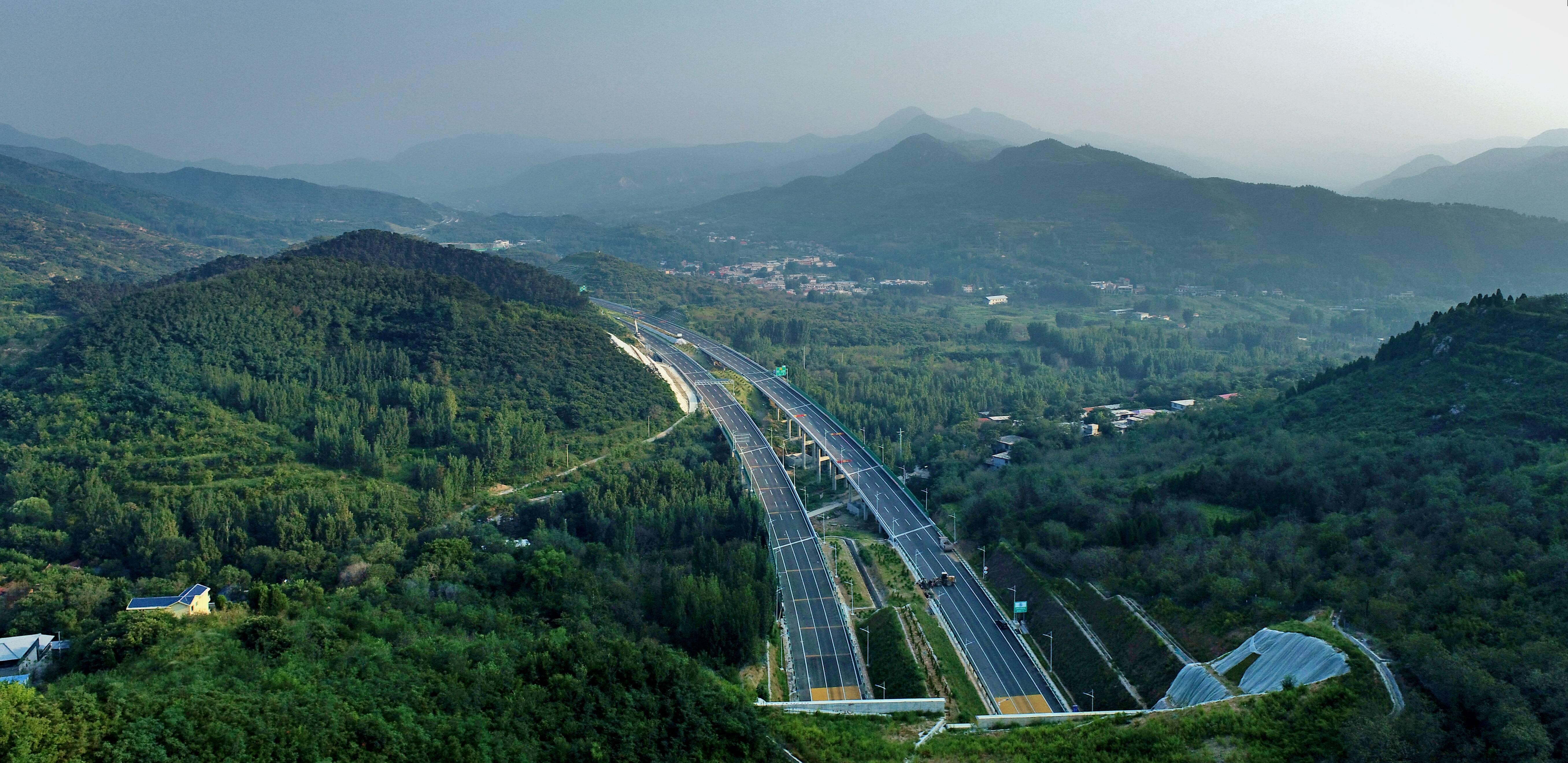 济泰高速10月27日通车!济南到泰安仅需半个小时