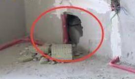 临沂盛德桂园小区居民新房装修发现墙壁里填充泡沫 开发商:没有安全隐患