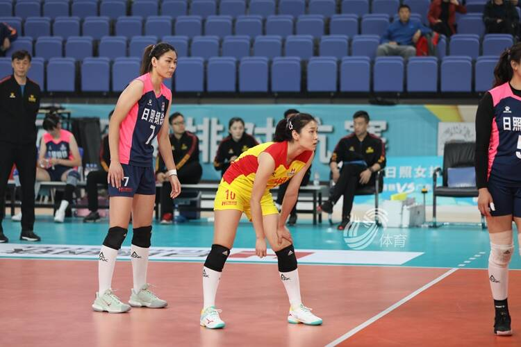 日照女排对抗赛:山东日照钢铁女排3-0力克广东迎两连胜