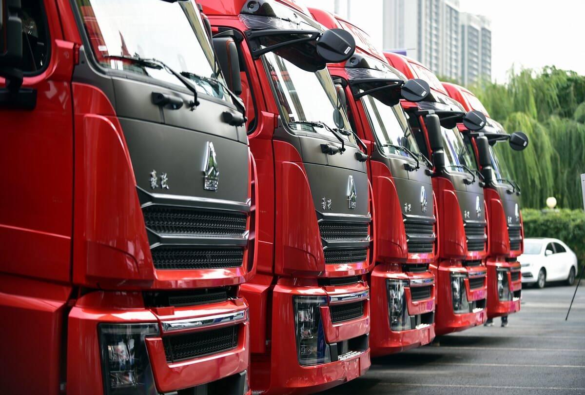 中国重汽再推新品!高端标载物流运输产品豪沃TH7系列牵引车重磅上市