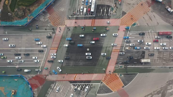 32秒|如约通车!聊城大转盘改造为十字路口,航拍视角看路口新貌