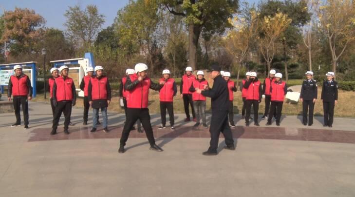 33秒丨学交通知识,学防身技巧!直击枣庄市中代驾司机一堂别样的培训课