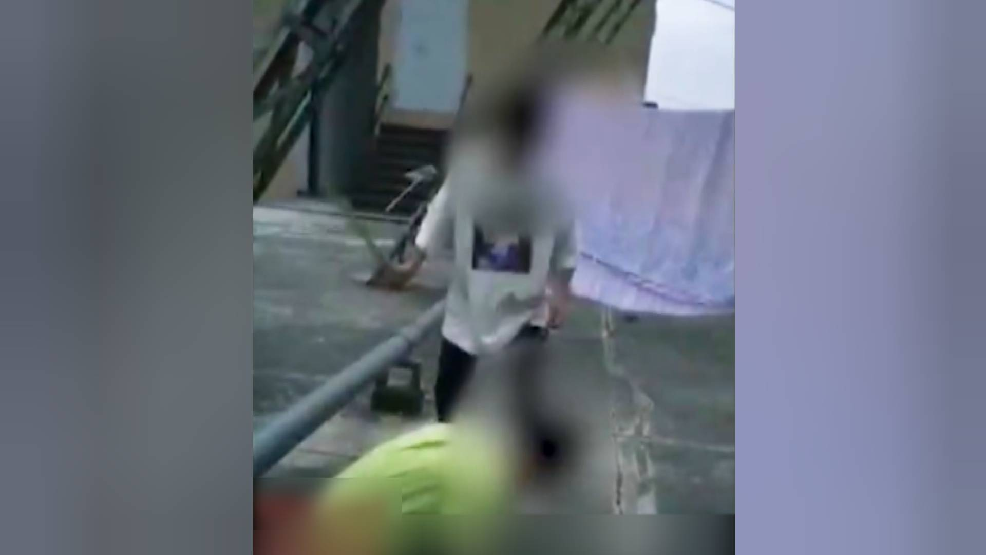 广东河源一中学生被人连续持棍殴打 校方通报:打人者行凶前曾敲诈勒索、强抢钱财