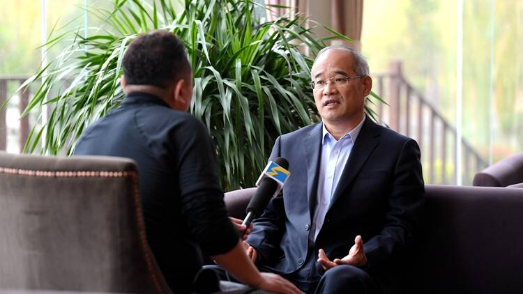 视频丨山东二七一教育集团总校长赵丰平:重视体育 赢得未来