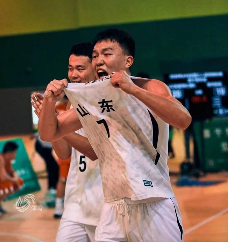 一分险胜!山东快爱特红旗队荣获U18三人篮球锦标赛冠军