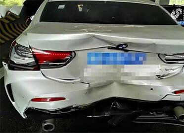 青岛:事故车辆定损6万变10万 已达报废标准宝马4S店为何修车